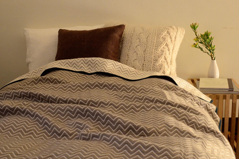 ウールの糸を使ったガーゼで気持ち良く眠りましょう